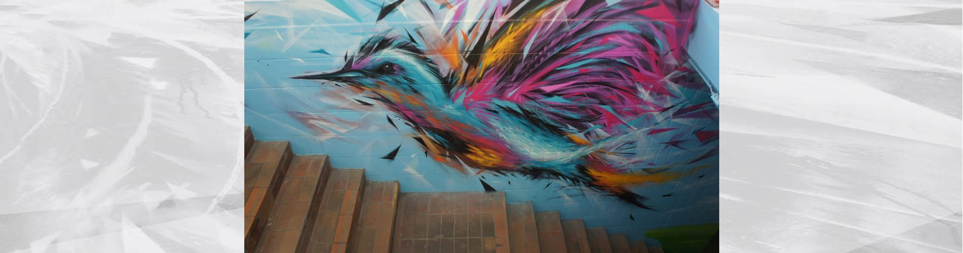 train station graffiti tubize bird